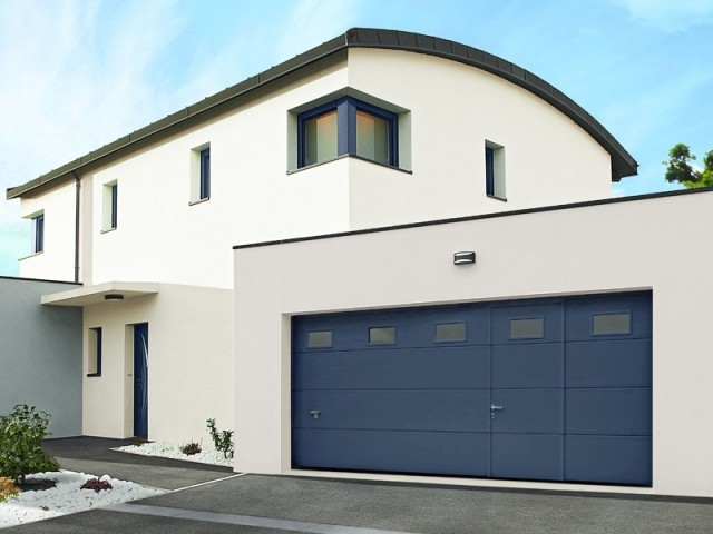 Porte de garage traditionnelle ou moderne ?