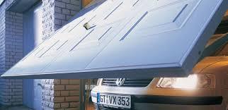 Les points forts et faibles d'une porte de garage basculante